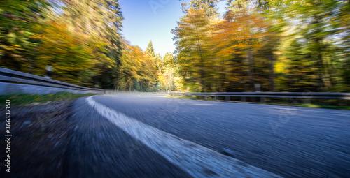 Fototapeta Herbstliche Landstraße