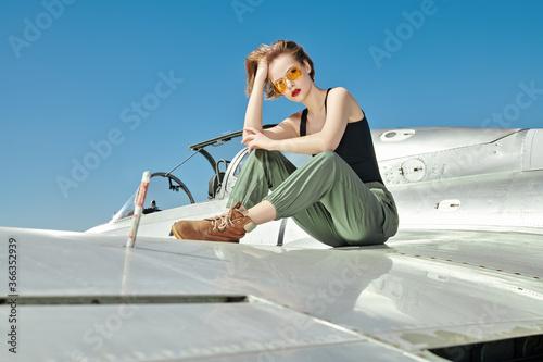 Photo military female model
