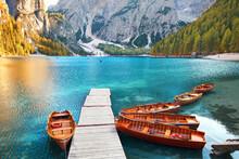 Holzboote Am See Im Gebirge
