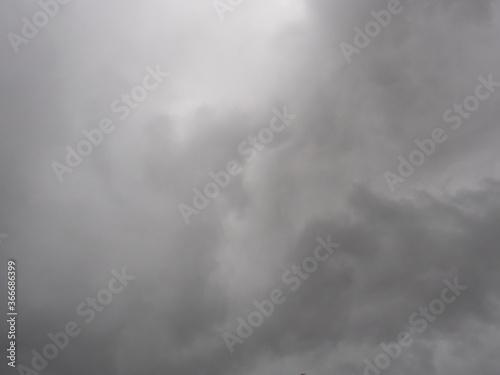 Photo Cumulonimbus cloud formations on tropical sky , Nimbus moving , Abstract backgro
