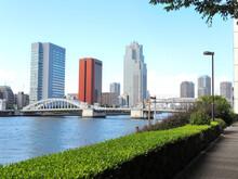 東京都中央区築地付近、勝鬨橋付近の風景