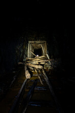 Collapsed Tunnel With Narrow G...