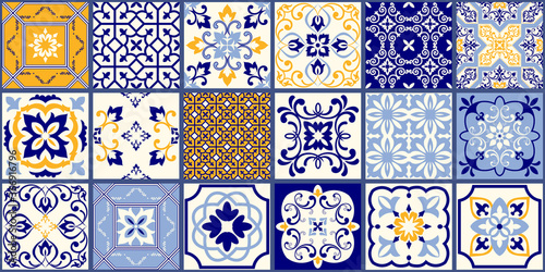 Photo Collection of 18 ceramic tiles in turkish style
