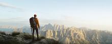 Wanderer In Einem Gebirge