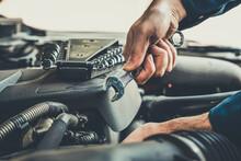 Professional Mechanic Providin...