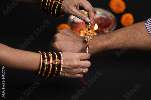 Платно Raksha Bandhan is an Indian festival