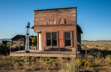 Old Abandoned General Store An...