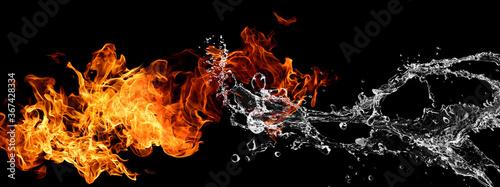 炎と水がぶつかり合う抽象的な背景
