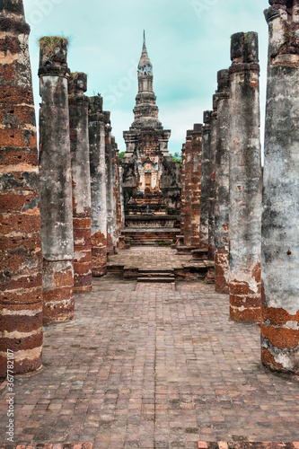 Canvas-taulu Wat Mahathat temple complex, Sukhothai Historical Park, Thailand