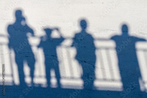 Valokuva silhouettes of people