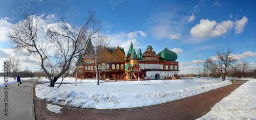 Fotografija Wooden palace in Kolomenskoye. Winter landscape with snow