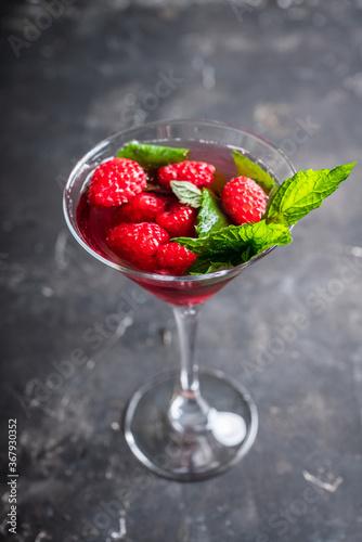 Fotomural Raspberry martini cocktail