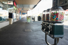 Old Fashioned Lolly Vending Ma...