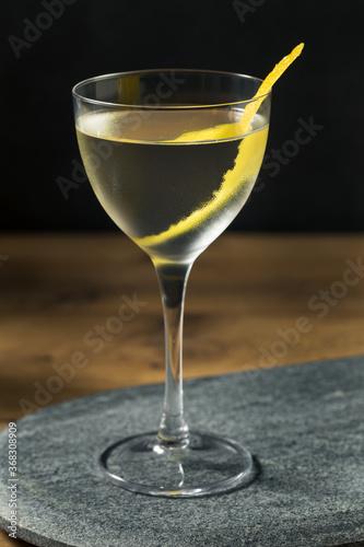 Obraz Boozy Dry Vesper Martini Cocktail - fototapety do salonu