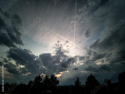 Segno della croce nel cielo, simbolo divino, destino, soprannaturale, scommessa Canvas Print