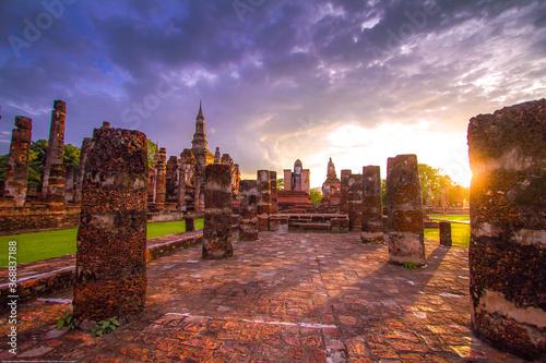 Fotografie, Obraz sunset at Sukhothai Historical Park  in Thailand
