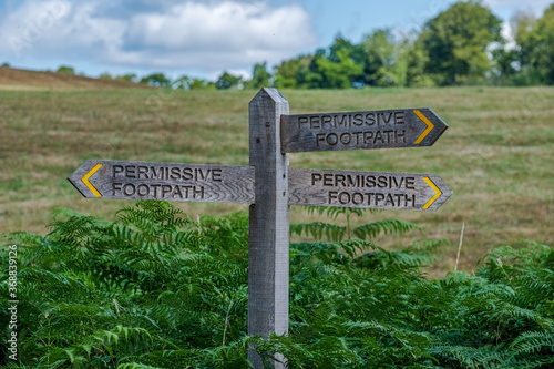Permissive footpath sign at Benbow pond, Midhurst, West Sussex, Canvas Print