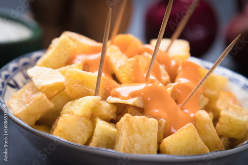 Patatas bravas, spanish fried potato Fototapet