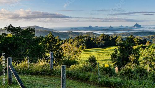 Valokuva Glasshouse Mountains, Sunshine Coast Hinterland, Queensland, Australia
