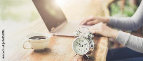 Obraz Time to working of freelance - fototapety do salonu