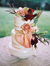 Wedding Cake With Tropical Flo...