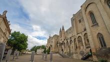 Place Du Palais Des Papes - Av...