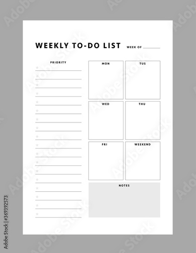 Fototapeta Weekly to-do list template. Clear and simple printable to do list. Business organizer page. Paper sheet. Realistic vector illustration. obraz na płótnie