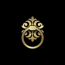Golden Knocker Ring, Vector Il...