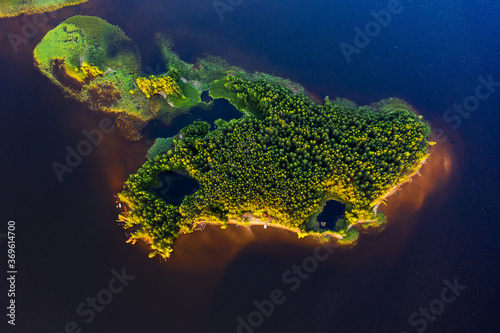 Obraz Aerial view of the green island on the river of Kama in Russia - fototapety do salonu