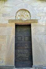 Portail De La Chapelle Romane San Quilico à Cambia, Corse