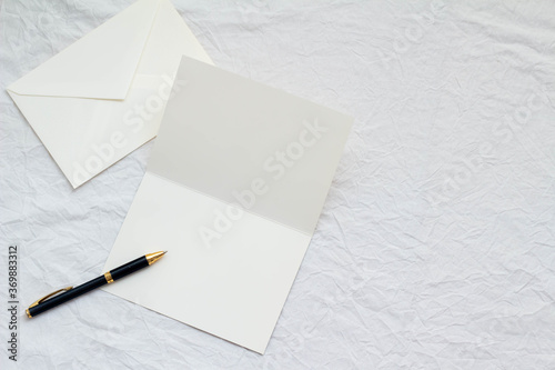 カードと封筒とボールペン Fototapet