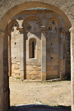Abside Romane De La Chapelle San Pietro E San Paolo De Lumio, Corse