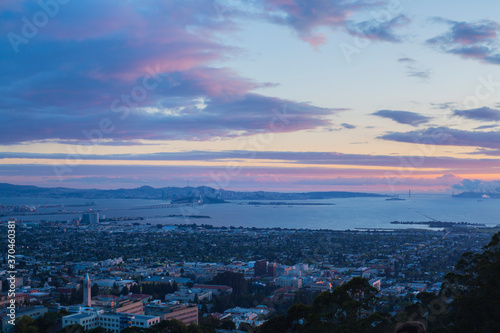 Photo Magic Hour over San Francisco Bay Area