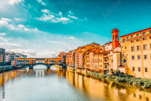 Ponte Vecchio is a bridge in Florence, located at the narrowest point of the Arno River, almost opposite the Uffizi Gallery Fototapeta