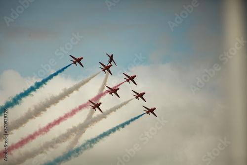 Fototapeta The red arrows, Royal Air Force aerobatics display team