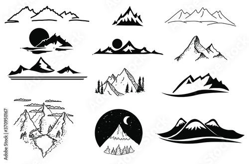 Fotografie, Obraz Hand drawn mountain peaks doodle set. For design