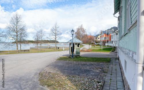 Cuadros en Lienzo Beautiful springlike street view in Naantali, a small coastal town in western Finland