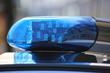 canvas print picture - Symbolbild Polizeieinsatz: Nahaufnahme von einem Blaulicht an einem Polizeiauto