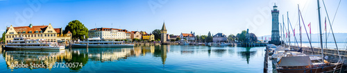Photo famous harbor of Lindau am Bodensee