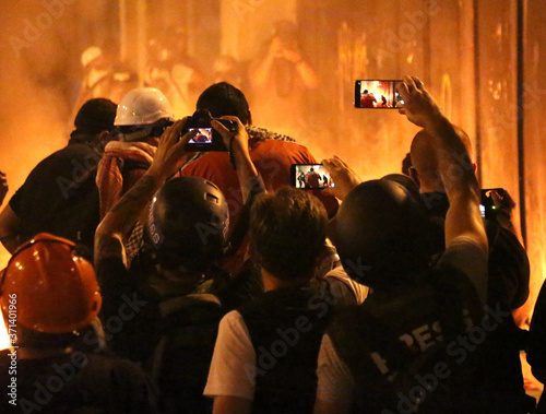 Cuadros en Lienzo Revolution, protests and confrontations in Beirut, Lebanon,  following the horrific explosion at the port on August 4th, 2020