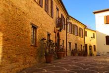 Borgo Medievale Nei Pressi Di ...