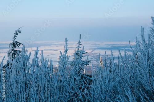 Zimowy widok ze szczytu na doliny Wallpaper Mural
