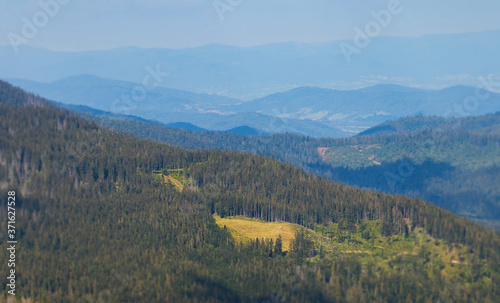 Obraz Piękny widok ze szczytu na okolicę. - fototapety do salonu