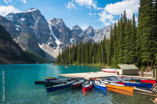 Moraine Lake during summer in Banff National Park, Alberta, Canada Fototapeta
