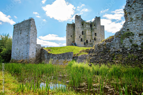 Obraz na plátne A panoramic view of Trim castle in County Meath on the River Boyne, Ireland