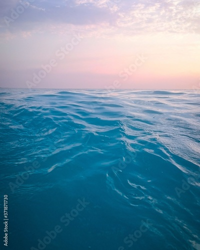 Fotografiet blue sky and sea