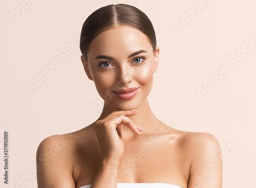 Obraz Beauty skin healthy  woman clean skin natural makeup - fototapety do salonu