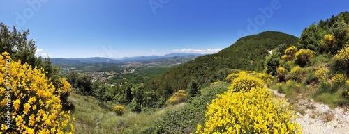 Pesche - Panoramica dal sentiero montano Canvas Print