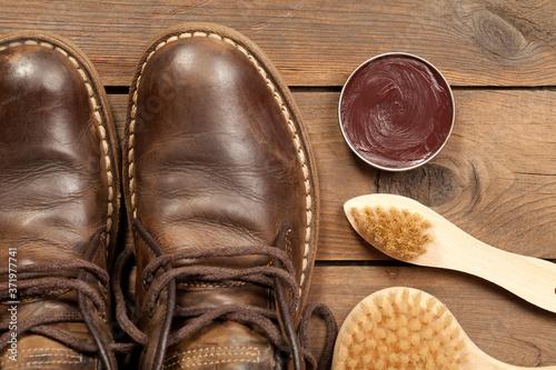 Fototapeta Old shoes and Shoe polish