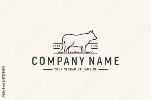 Cuadros en Lienzo monoline animal cow logo design vector
